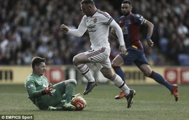 Manchester United empata sem gols com Crystal Palace, mas segue na zona da UCL