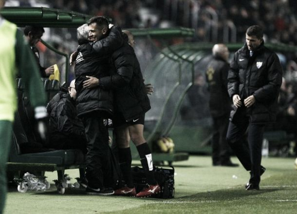 El Málaga despide a Roque como se merece