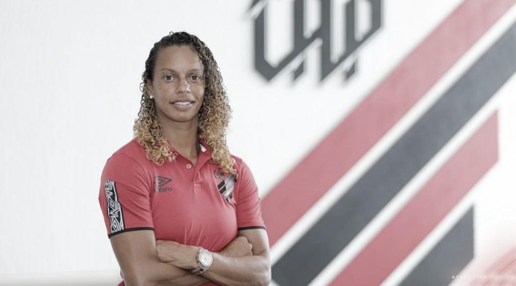Ex-lateral da Seleção Brasileira, Rosana é nova treinadora da equipe feminina do Athletico