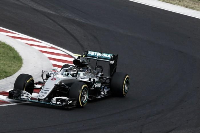 Nico Rosberg volta a ditar ritmo na Hungria e fecha último treino livre na frente
