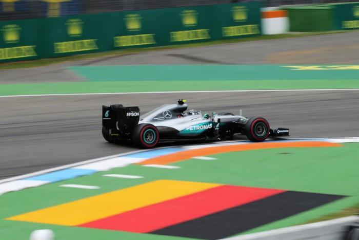 Rosberg fecha sexta-feira na frente em Hockenheim