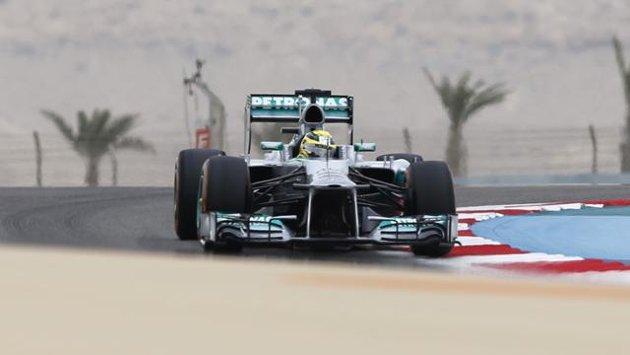 Rosberg, pole nel deserto davanti a Vettel e Alonso