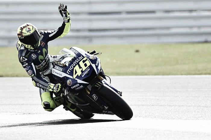 MotoGP - Rossi c'è, ancora una volta: suo il Gran Premio di Assen. Petrucci secondo, Dovizioso leader mondiale