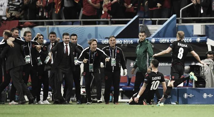 Albânia faz história contra Romênia e mantém chances de classificação