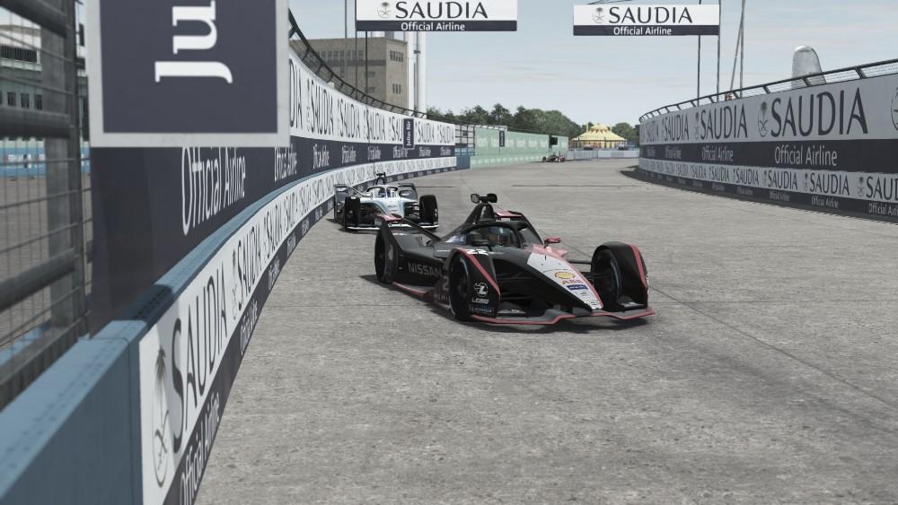 Rowland vence em Berlim e quebra sequência de vitórias alemãs no Desafio Virtual de Fórmula E