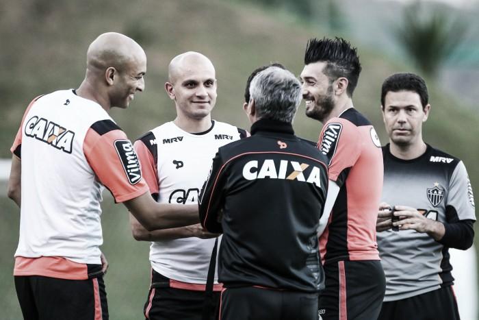 Pratto, Fábio Santos e Dátolo treinam, mas seguem sem ser opção no Atlético-MG