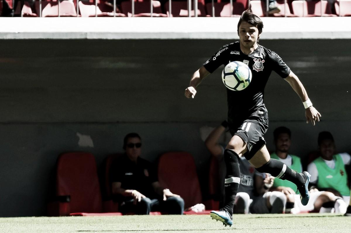 Romero marca três vezes e comanda goleada do Corinthians sobre Vasco em Brasília