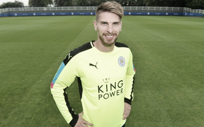 Zieler seals Leicester switch