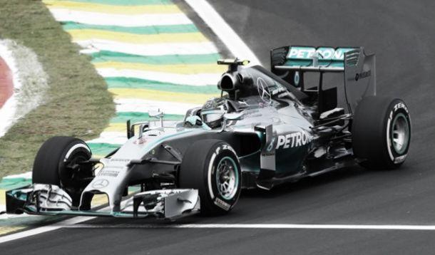 Rosberg samba pelo GP do Brasil