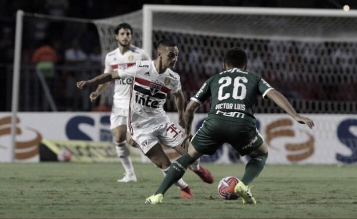 Com polêmicas do VAR, São Paulo e Palmeiras empatam sem gols na semifinal do Paulistão