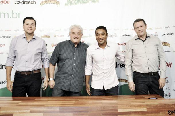 Roger Machado é apresentado como novo técnico do Juventude