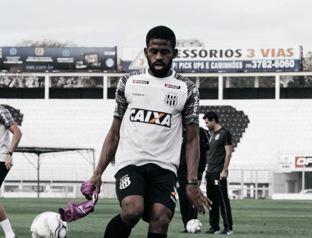 """Ruan se emociona com gol decisivo para Ponte: """"Escrevi em um papel dizendo que marcaria"""""""