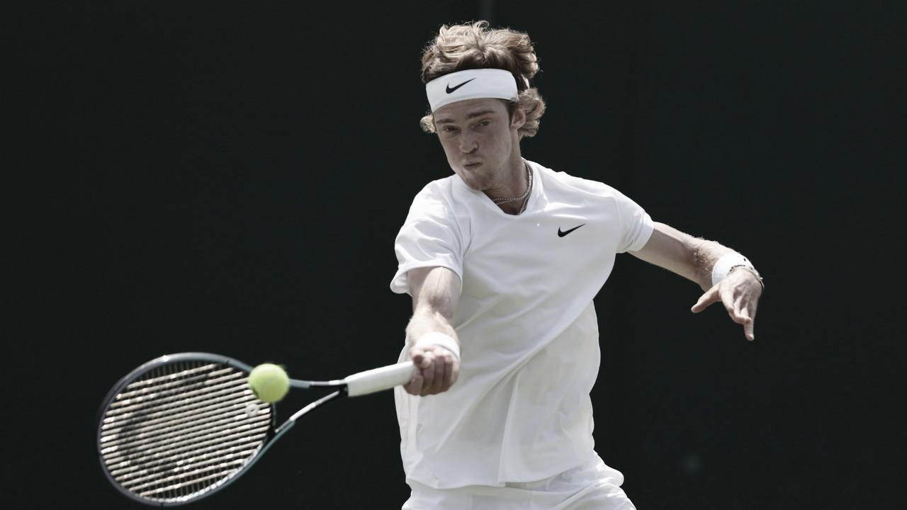 Rublev vence jogo equilibrado contra Fognini e segue em Wimbledon