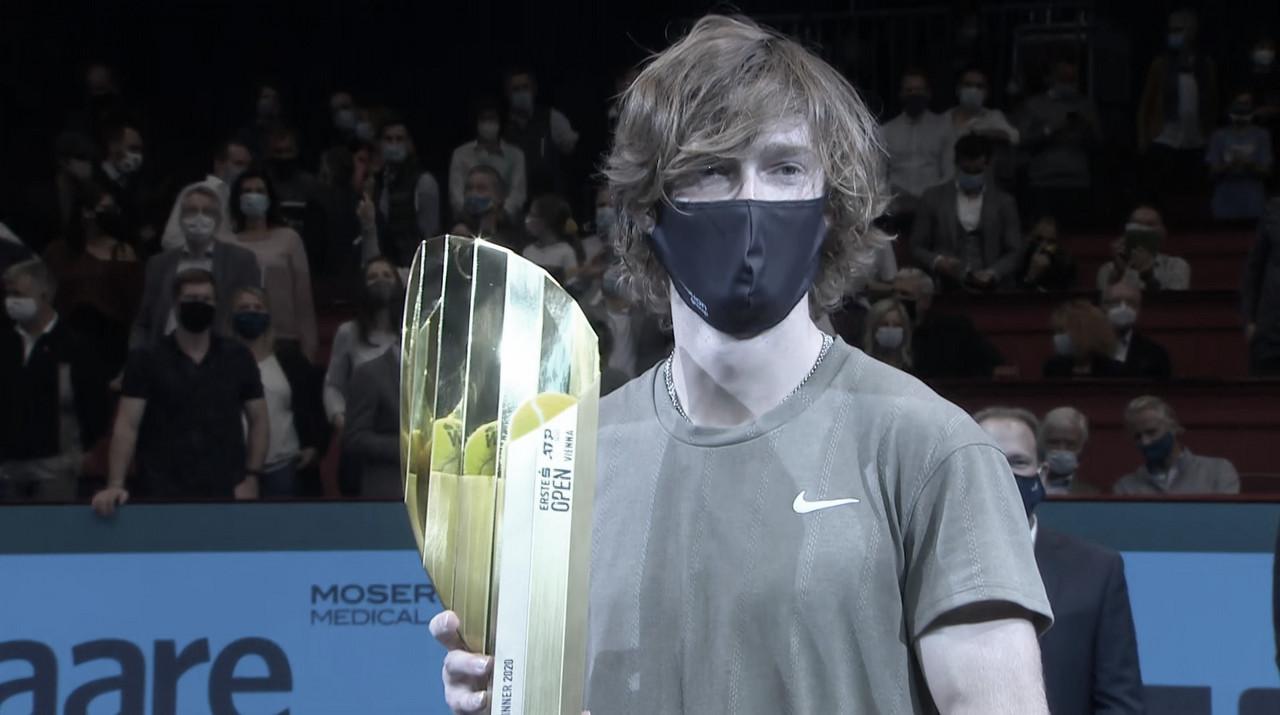Rublev bate Sonego e conquista quinto título no ano em Viena