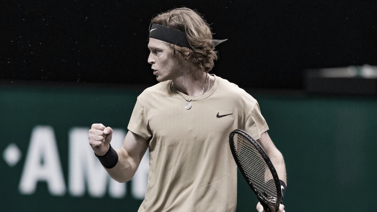 Rublev acelera no final dos sets e derrota Murray no ATP 500 de Roterdã