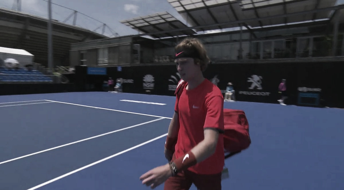 Rublev vence Pouille com facilidade e está nas oitavas de final do ATP 250 de Sydney