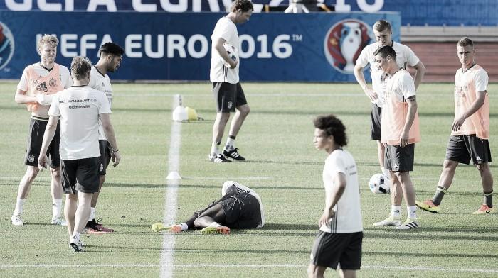 Zagueiro alemão Rüdiger rompe ligamentos cruzados e está fora da Euro 2016