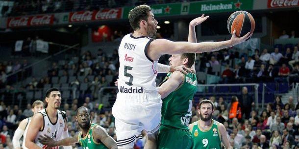 Un Madrid serio y concentrado pasa por encima del Panathinaikos