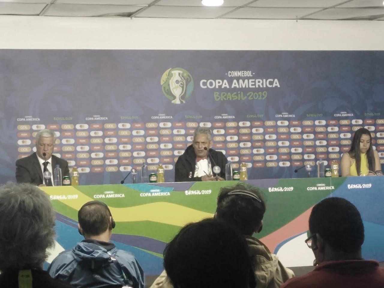 """Após golear Japão, Rueda evita favoritismo: """"Temos que melhorar muito ainda"""""""