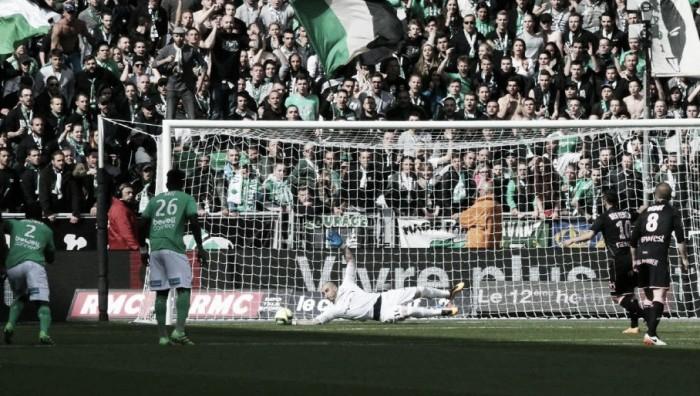 Stéphane Ruffier brilha, pega pênalti e Saint-Étienne empata sem gols com Toulouse