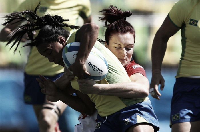 Placares elásticos marcam primeiro dia do rúgbi feminino; Brasil começa mal