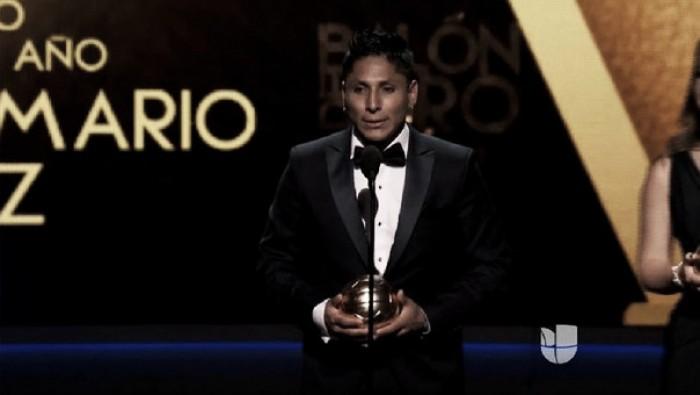 Raúl Ruidíaz fue premiado como el mejor jugador de la Liga MX