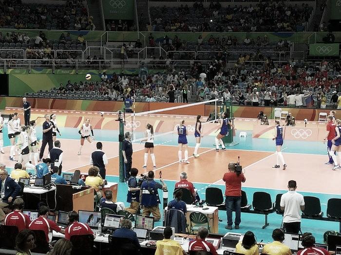 Vôlei: Russas vencem Argentina com facilidade na estreia