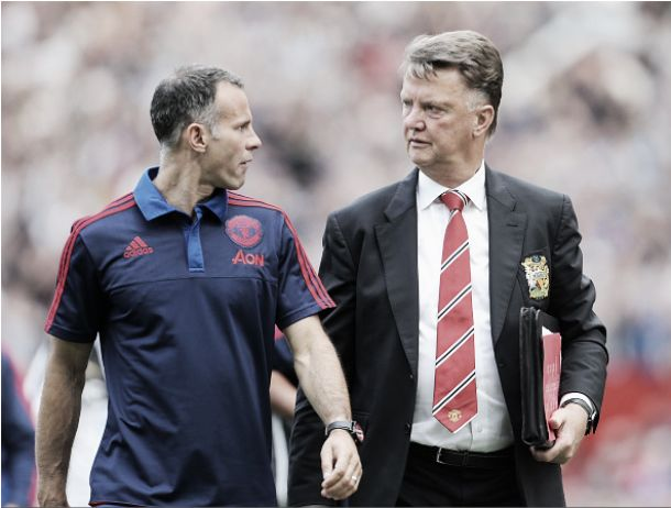 Ryan Giggs biding his time before taking his rightful position