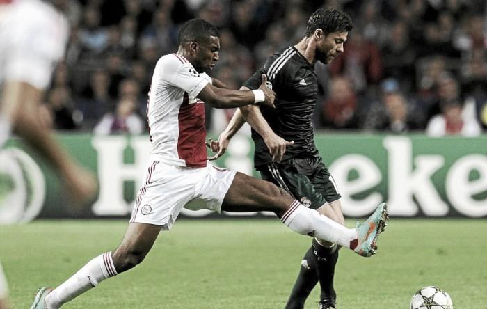 Ex-Liverpool, atacante Ryan Babel acerta com Deportivo La Coruña
