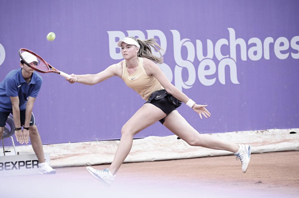 Em Bucareste, Kuzmova perde oportunidades e é eliminada por Rybakina