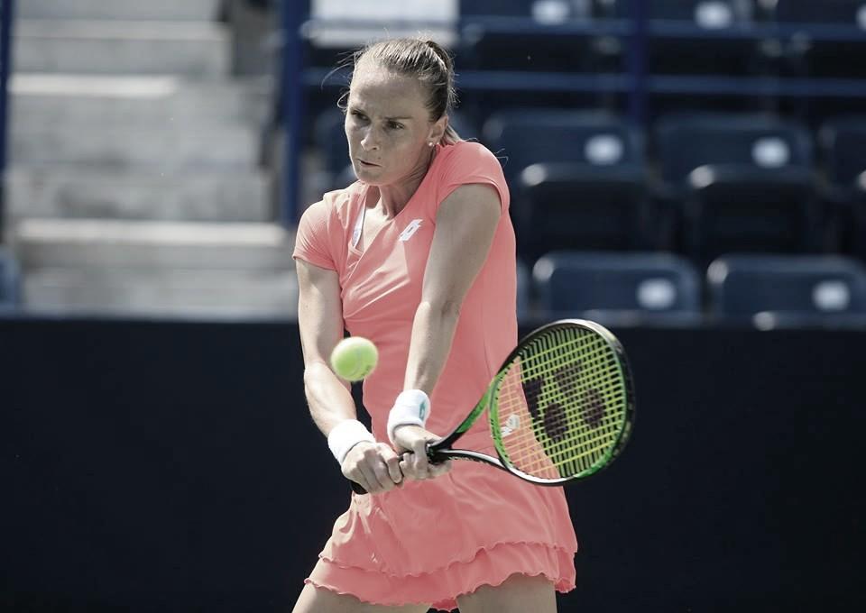 Rybarikova supera Vickery em Monterrey e volta à uma semifinal após dez meses