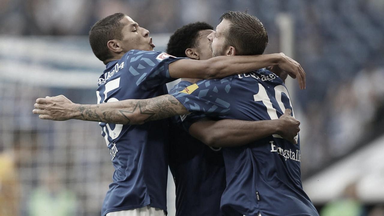 Schalke 04 vence Hertha Berlin e garante primeiro triunfo na Bundesliga