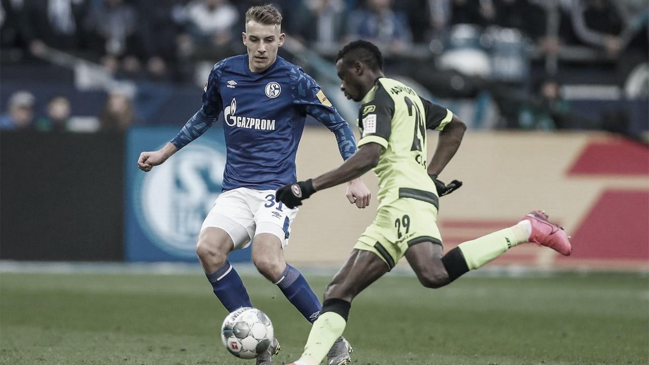 Schalke 04 empata com lanterna Paderborn e fica mais distante da liderança