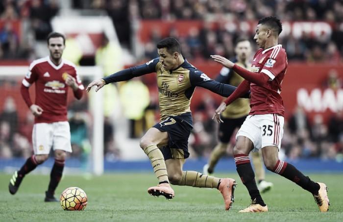De olho na liderança e com ataque inspirado, Arsenal enfrenta inconstante Manchester United