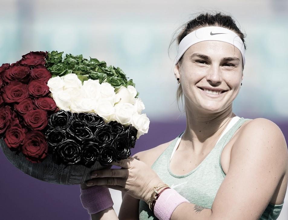 Aryna Sabalenka venceu Veronika Kudermetova no WTA de Abu Dhabi 2021 (Foto: Divulgação/WTA)