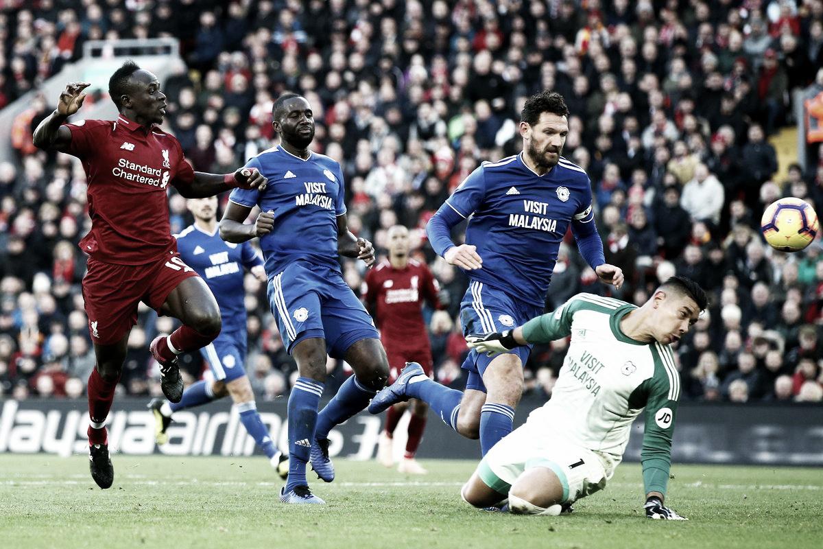 Com dois gols de Mané, Liverpool goleia Cardiff City e assume a ponta da Premier League