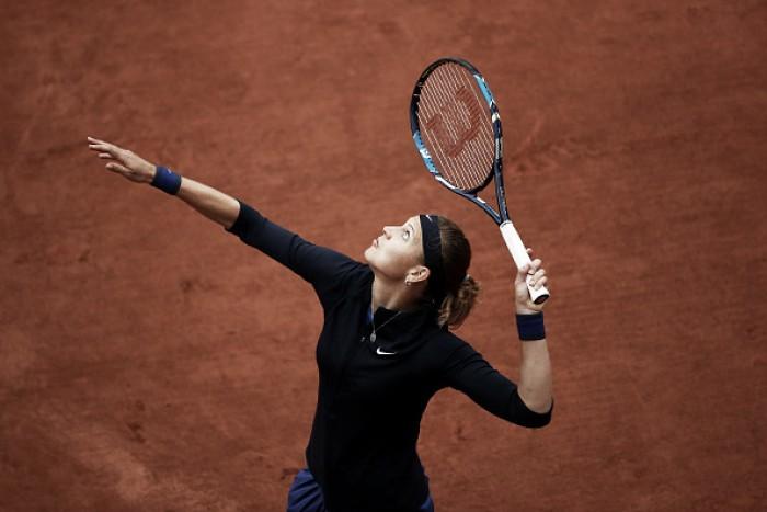 Lucie Safarova estreia com vitória tranquila em Roland Garros