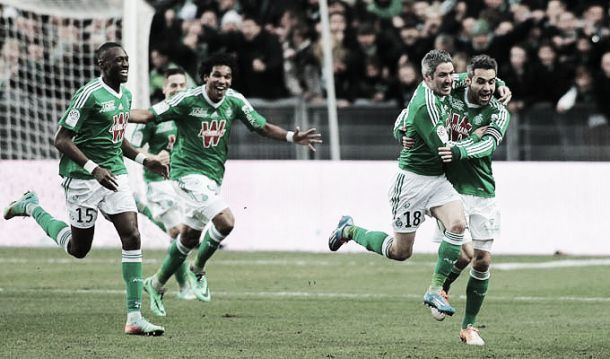 Saint-Étienne vence o Monaco e assume provisoriamente a terceira colocação