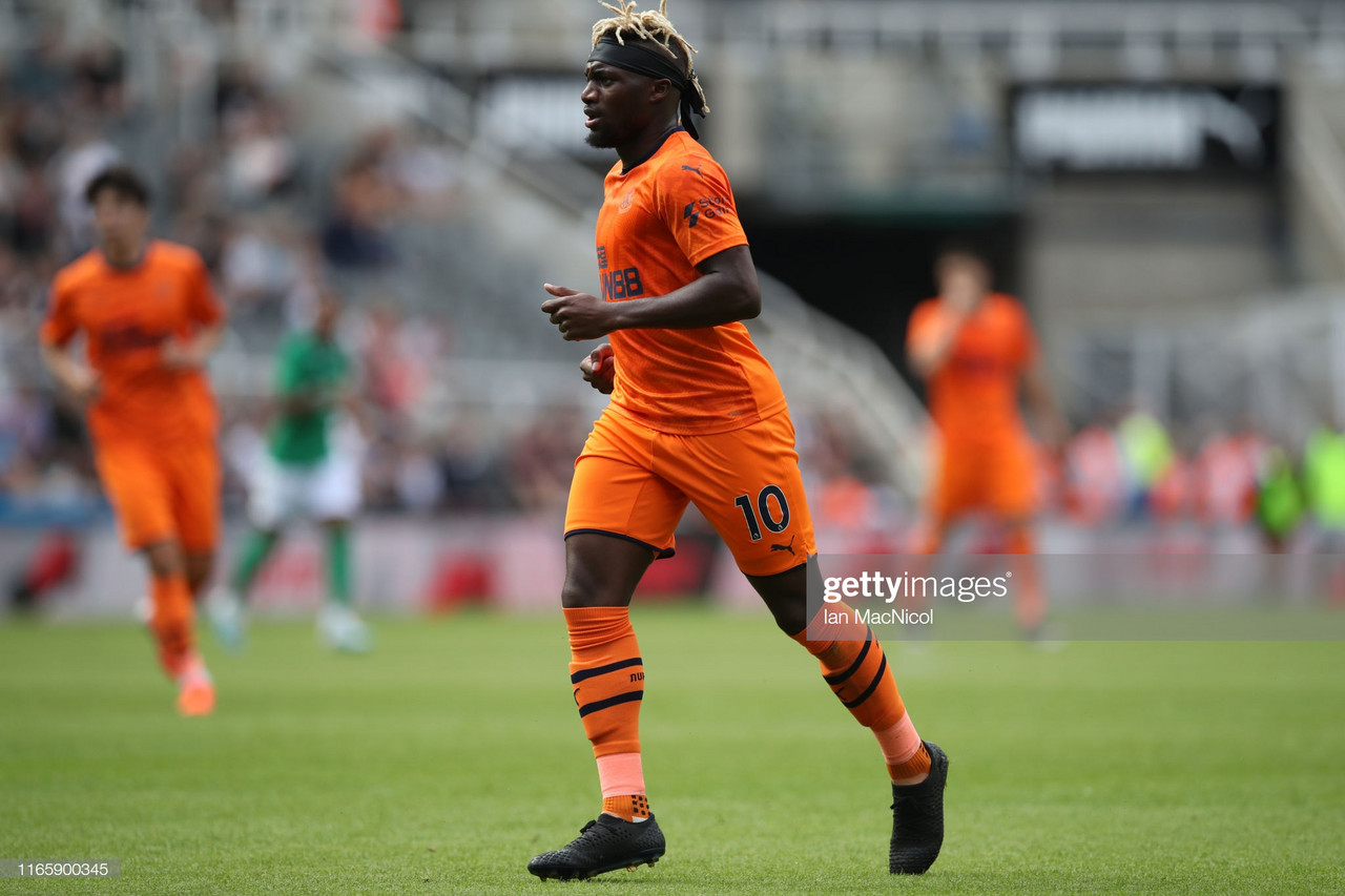 Saint-Maximin happy as he is greeted by 'amazing' Newcastle fans