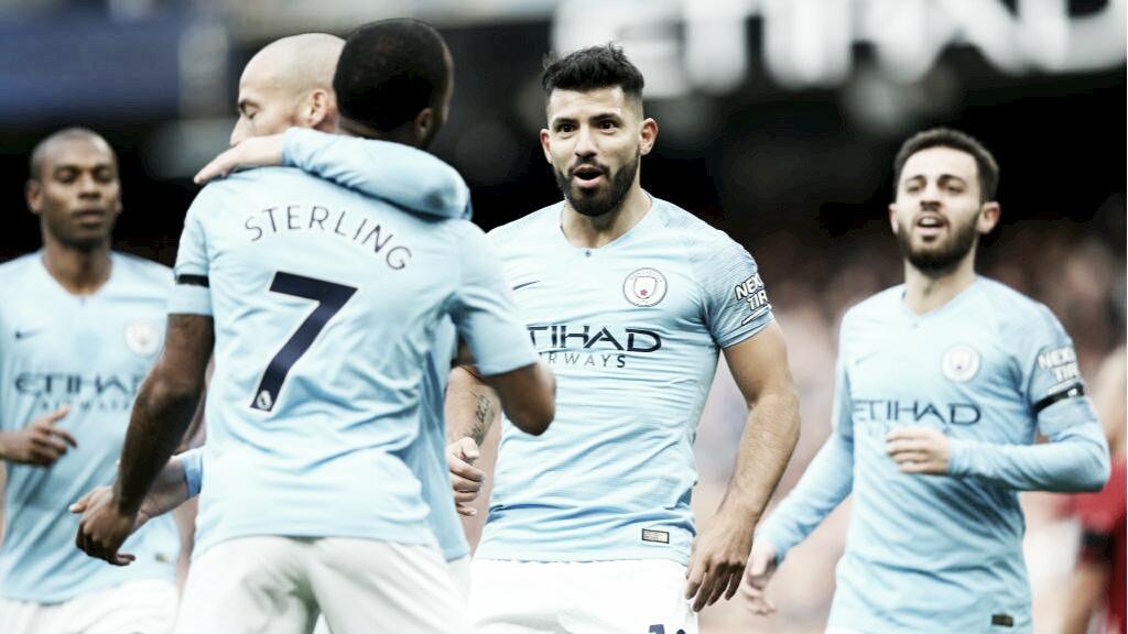 Show em campo e liderança isolada: Manchester City goleia Southampton na Premier League