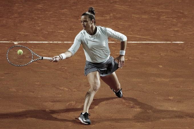 Kvitova desiste no fim, e Sakkari avança em Roma