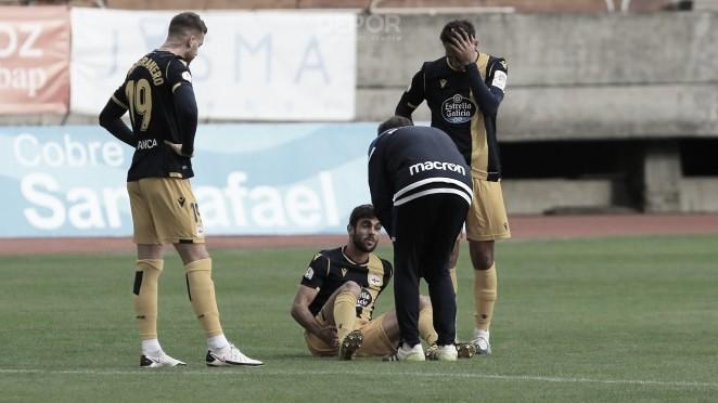 Salva Ruíz se duele de la parte posterior de la pierna derecha. Foto: rcdeportivo.es