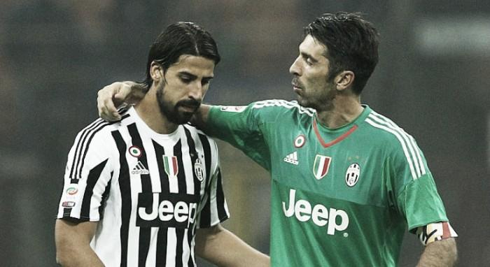 """Khedira destaca sua preferência na disputa pela Bola de Ouro: """"Buffon merece"""""""