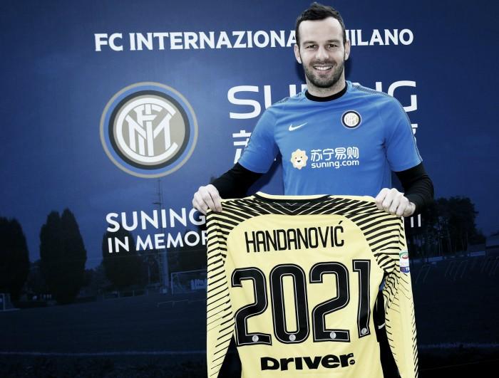 Goleiro Handanovic amplia contrato com a Internazionale até 2021