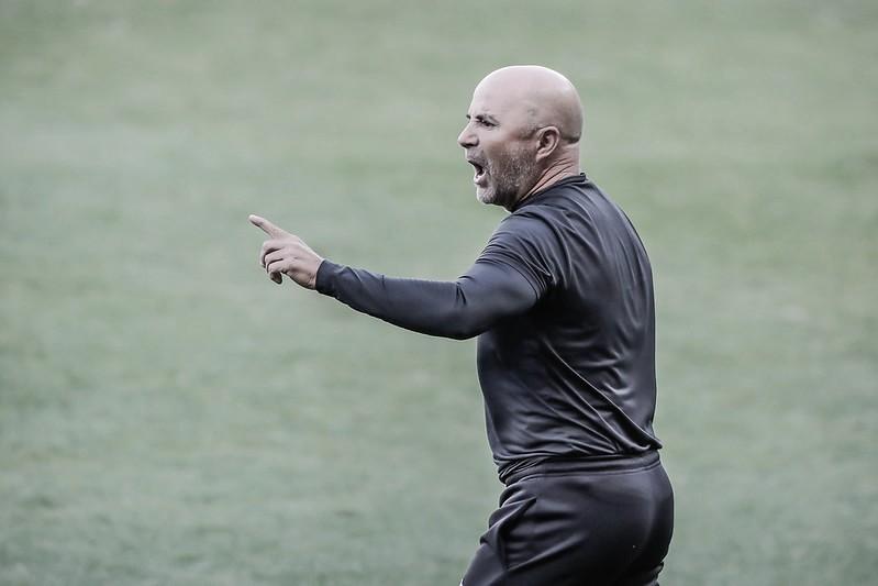 Mesmo com vantagem, Sampaoli garante que Atlético vai para cima do América em busca da final