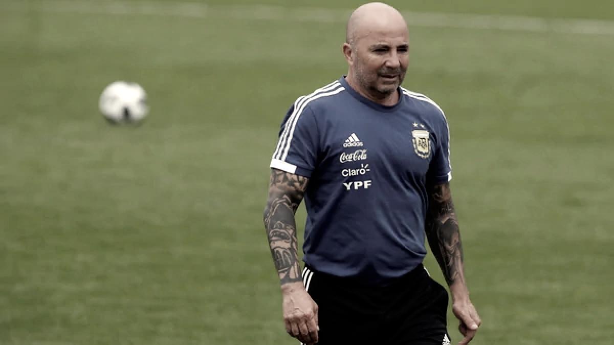 Argentina partió hacia Nizhni con cambio de esquema y una duda
