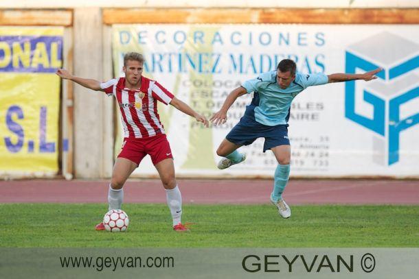 El Almería B no quiere a Samu Sáiz