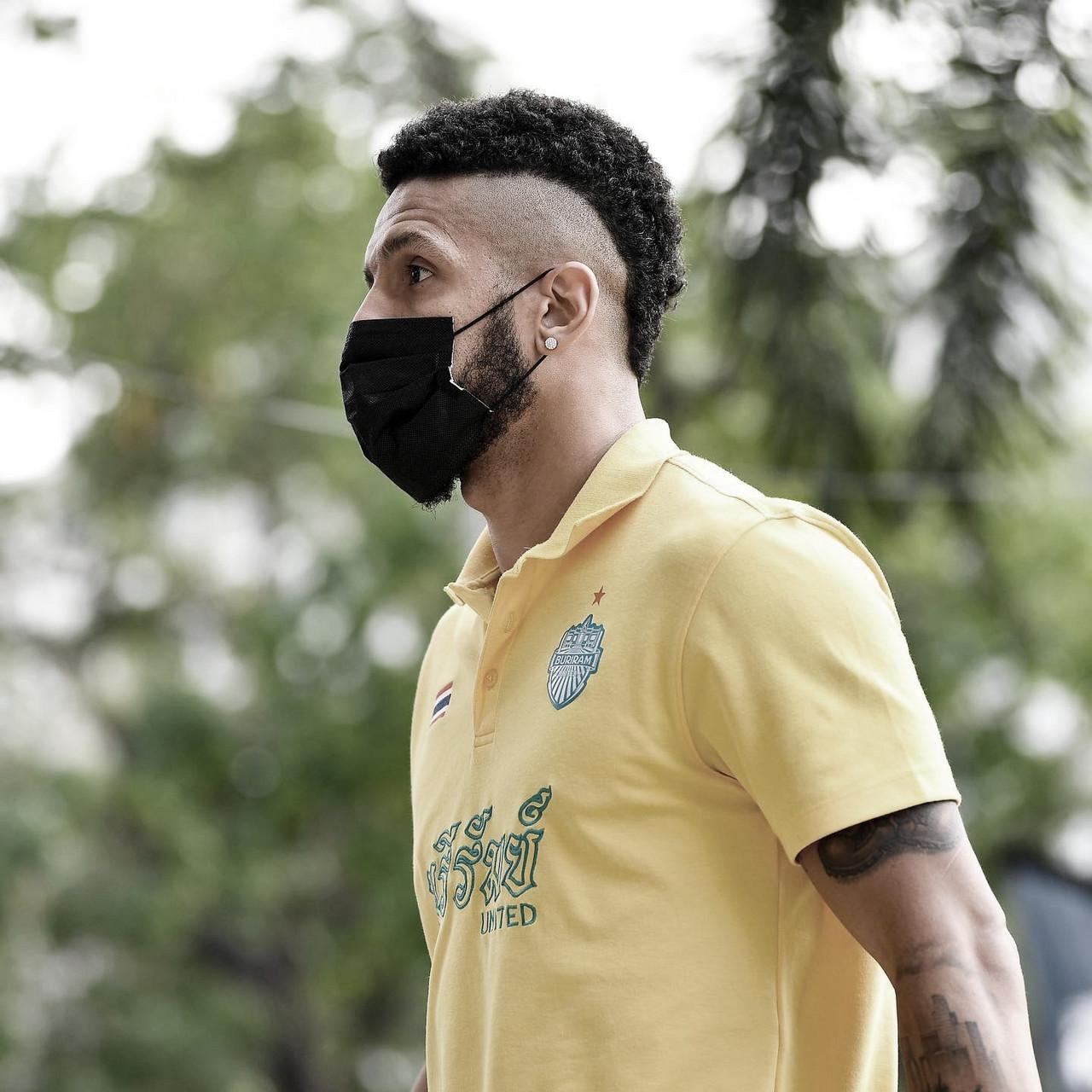 Em alta no futebol tailandês, Samuel projeta temporada perfeita no Buriram United