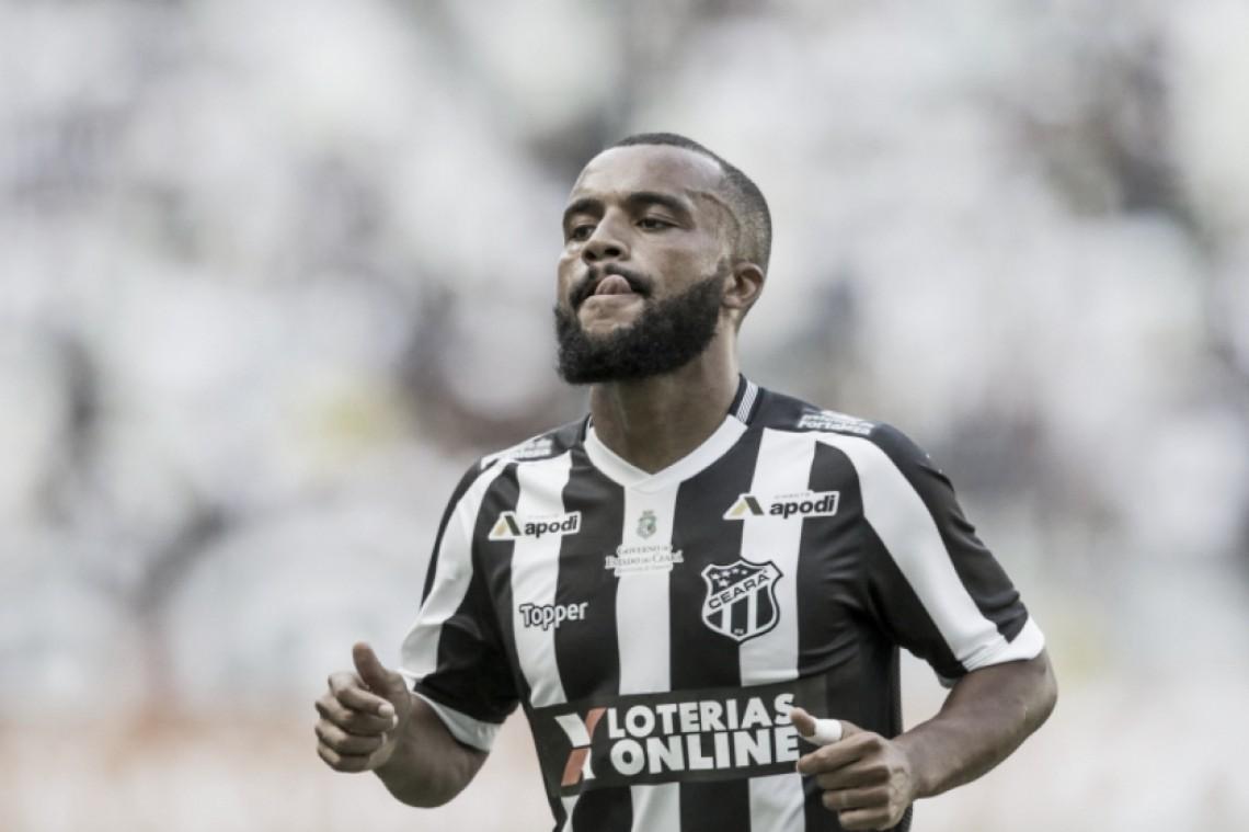 """Samuel Xavier reconhece superioridade do Santos, mas lamenta: """"Faltou sorte"""""""