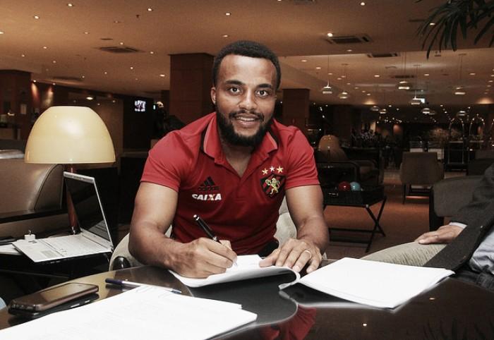 Sport prolonga contrato de Samuel Xavier por mais três anos